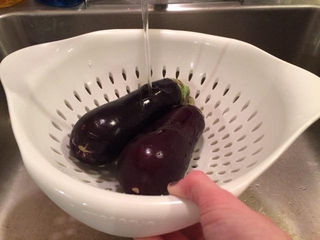 wash-eggplants